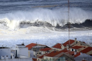 """Day Off"" after the storm - Nazaré, February 15"