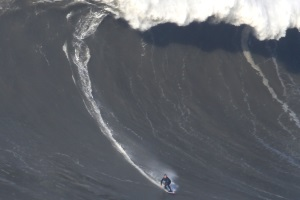 Giant waves arrived, big surf session Nazaré - 19 February