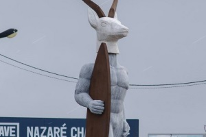 New statue in Nazaré and more recent activity