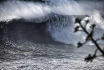 Big swell reaches Nazare