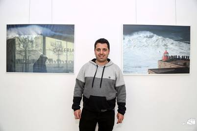 Nazare waves in photographic exhibition by André Botelho